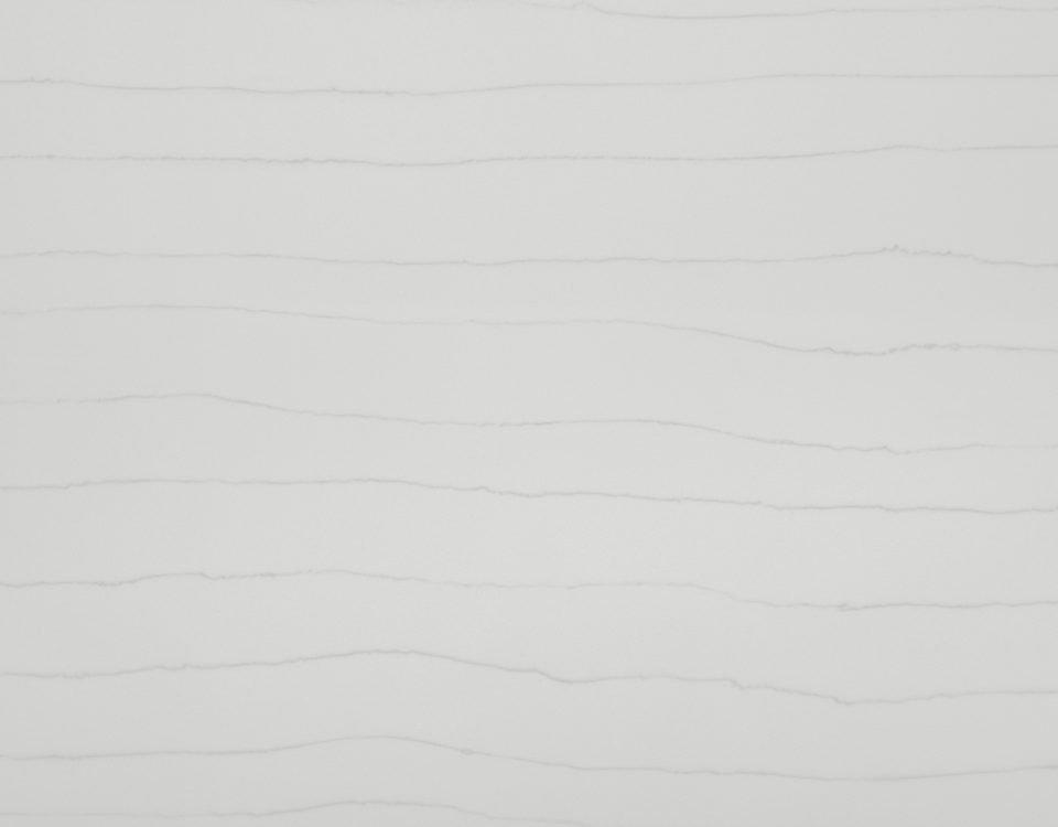 QM9706 White Macaubas